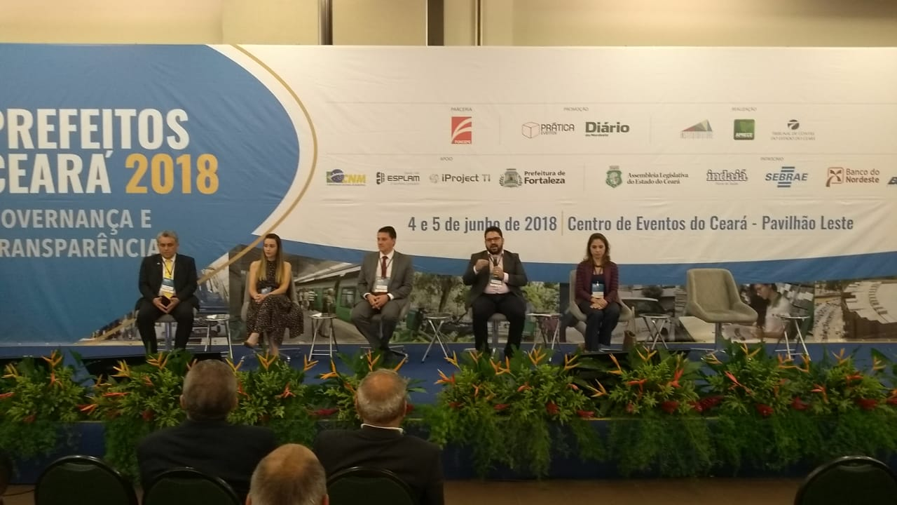 Presidente da Jucec ministra palestra sobre RedeSimples no Seminário Prefeitos Ceará 2018