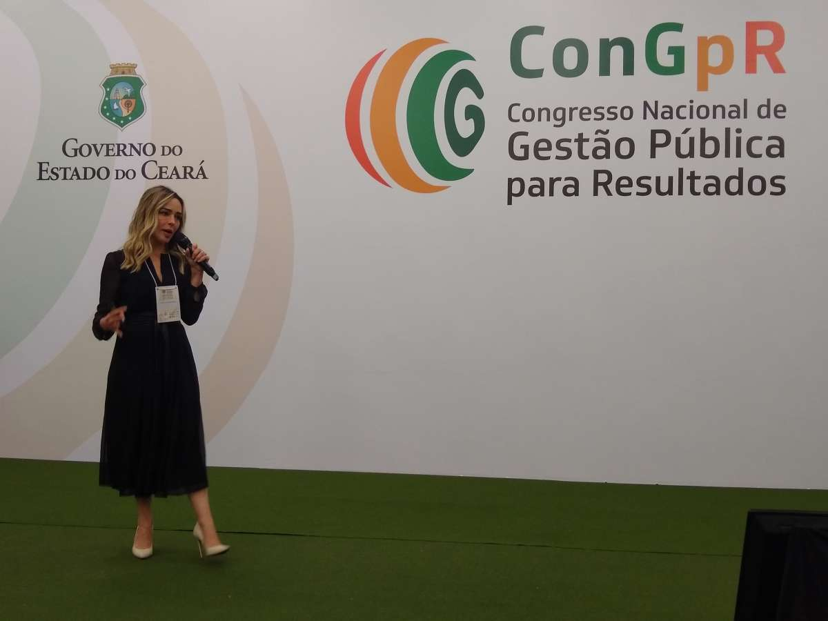 Carolina Monteiro palestra no ConGpR